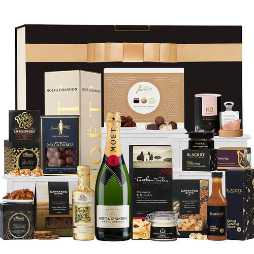 Ultimate Foodies with Moet Hamper